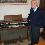 Antonio Magnoni responsabile produzione Farfisa con il Galaxy