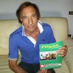 Attilio Andreoli autista Farfisa con il manuale Foyer