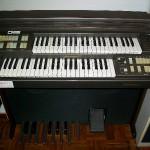 F 300 organo Farfisa
