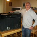 Ferruccio Marconi capo reparto tavole armoniche Farfisa con il TR 70 OS