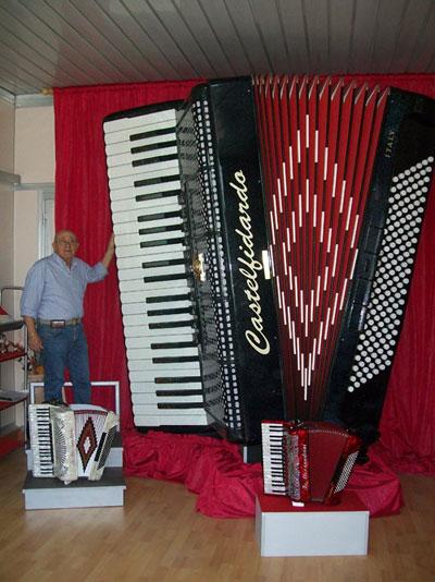 fisarmonica-gigante