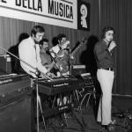 fred bongusto e il suo complesso sim 1970 con strumenti farfisa