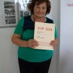 Luciana Lucchetti controllo tastiere Farfisa con il manuale Vip 233