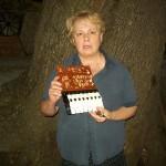 Luisa Giuliodori reparto pianoforti Farfisa con la scheda PA 346