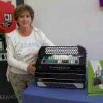 Maria Bocci lavorazione contattiere Transicord Farfisa con la fisarmonica Transicord de Luxe