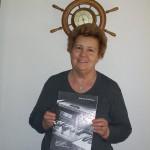 Maria Magnalardo montaggio componenti schede Farfisa con il manuale Professional 88