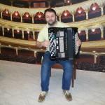 Mirco Patarini dimostratore Farfisa con la fisarmonica Transivox