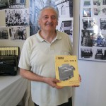 Romano Burchiani reparto voci armoniche Farfisa con lo schema modello 5250