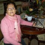 Rosa Casavecchia lavorazione trefoli a domicilio Farfisa con il microfono F 2