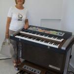 Sandra Gioacchini regolazione contatti organi Farfisa con il Professional Duo