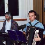 Claudio con il fisarmonicista Bruno Oncini