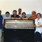Claudio con i colleghi del reparto finitura pianoforti Farfisa
