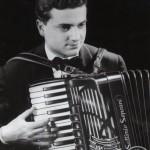 Gervasio con la fisarmonica Soprani