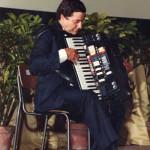 Gervasio con la fisarmonica Syntaccordion